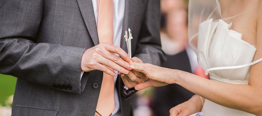 Al Matrimonio Auguri O Congratulazioni : 169 frasi auguri matrimonio: la raccolta delle più belle